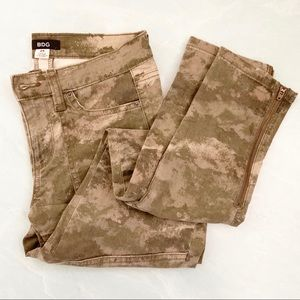 BDG army green camo zip ankle jeans 25